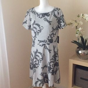 Vince Camuto floral print short sleeve dress gray